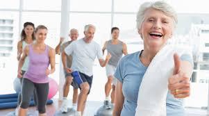 persone anziane durante una corsa
