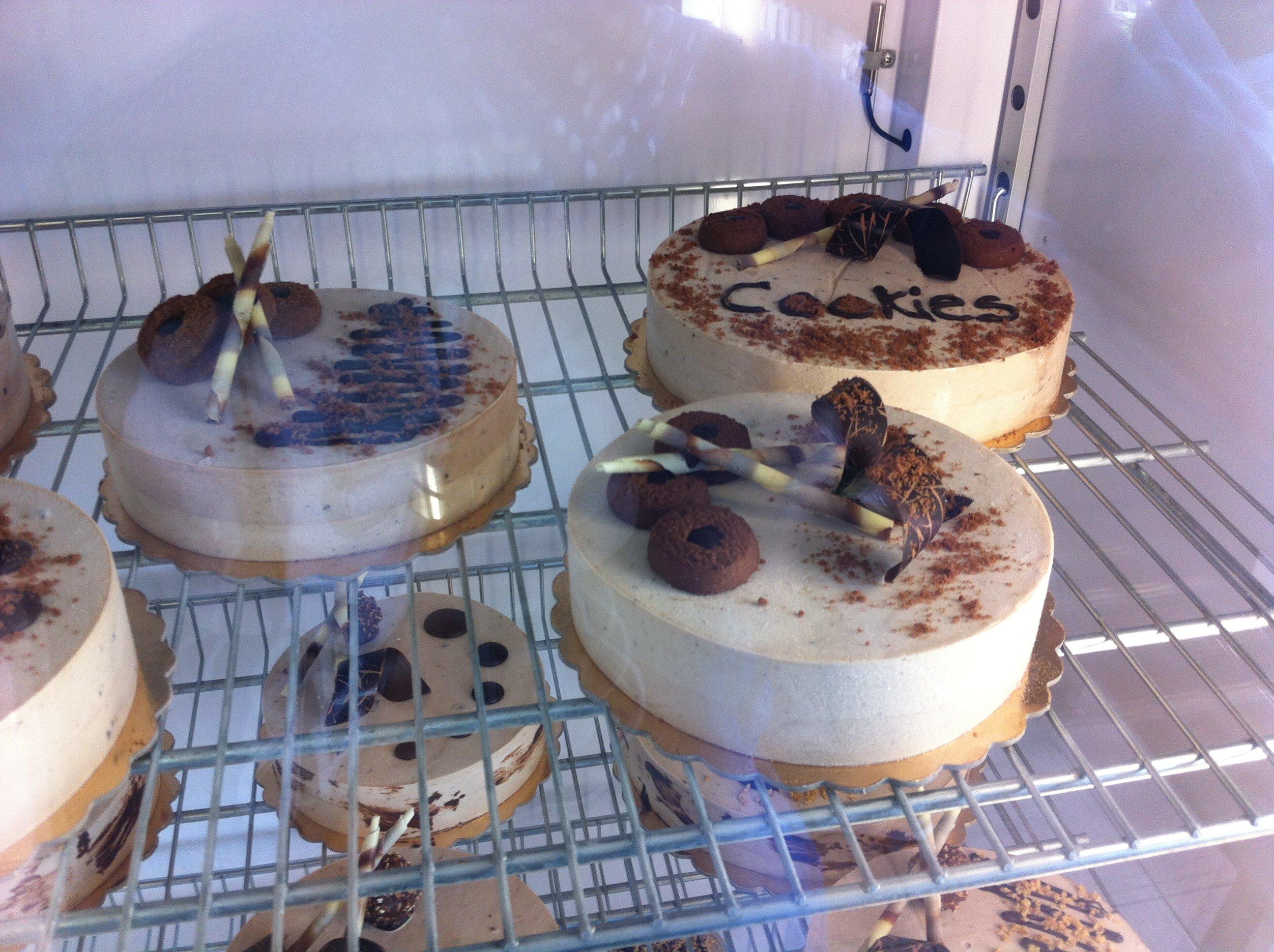 torte con sopra biscotti