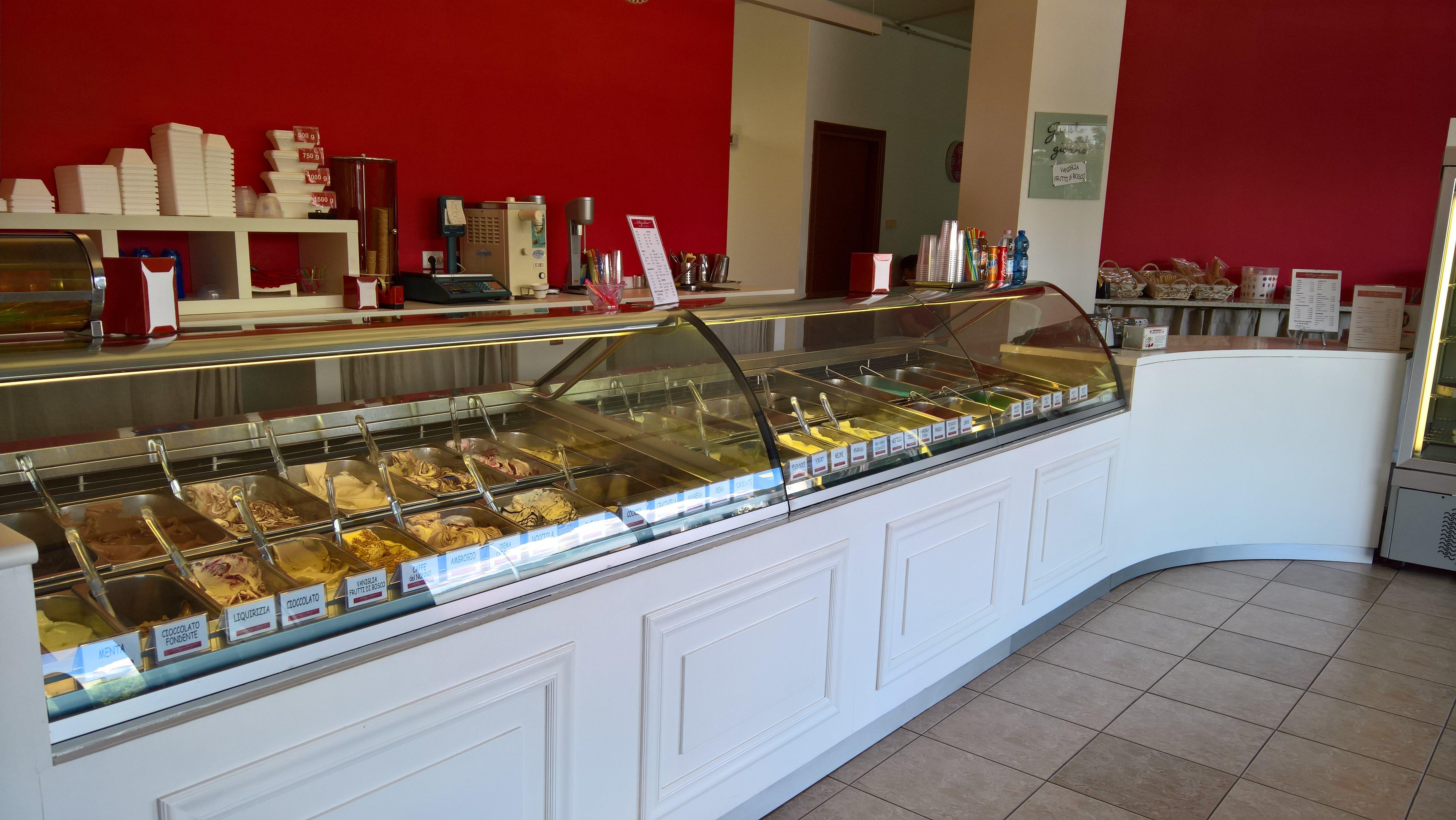 interno gelateria
