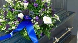 decorazioni funebri, addobbi floreali, accessori funebri