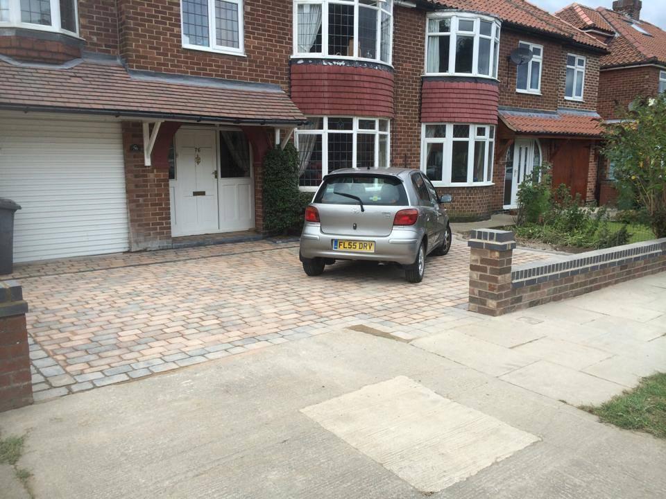 spacious driveway