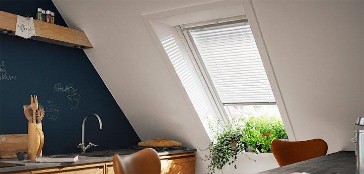 tende veneziane per finestra tetto