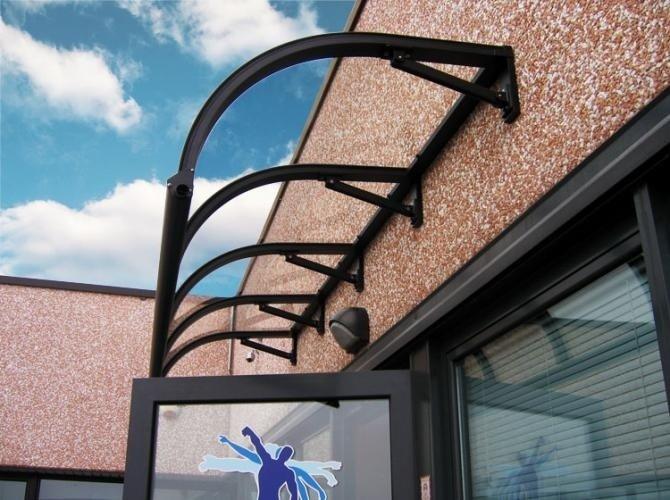 installazione di tettoie