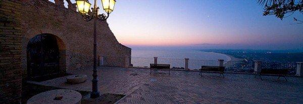 tramonto con vista mare