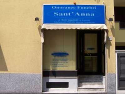vista dall'esterno di Onoranze Funebri Sant' Anna