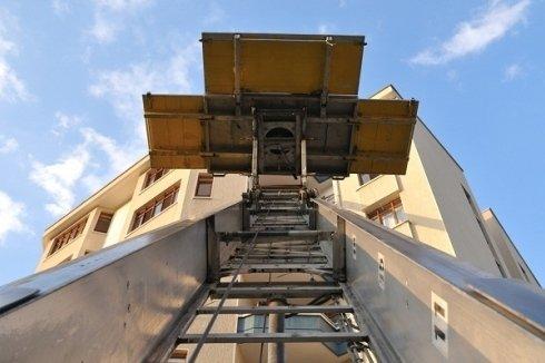 traslochi con scale aeree proprie