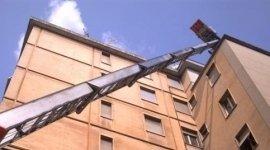 traslochi con scale aeree per piani alti firenze,