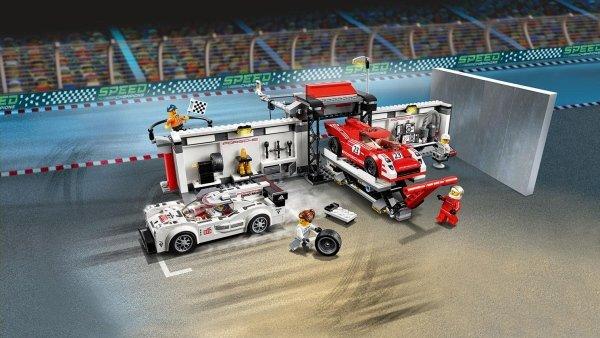 75876 Porsche 919 Hybrid e 917K Pit Lane