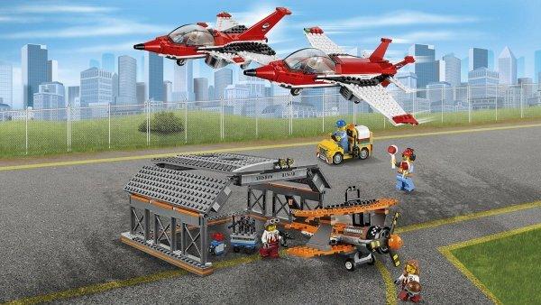 60103 SHOW AEREO ALL'AEROPORTO