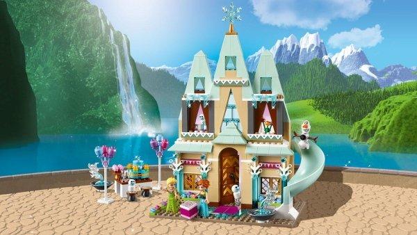 41068 La festa al castello di Arendelle