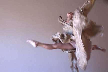 Ballerina in salto