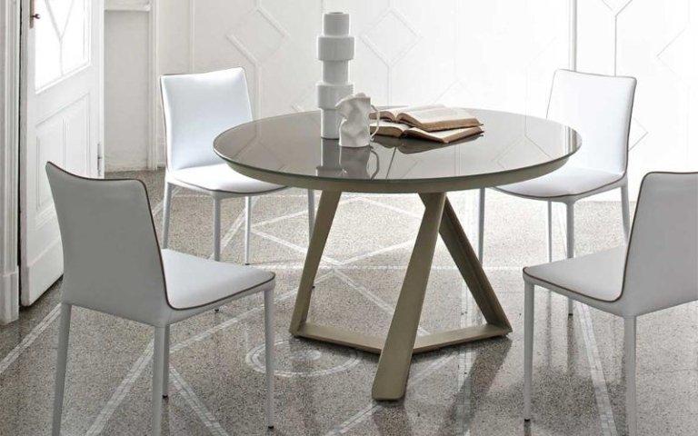 Esposizione tavoli e sedie reggio emilia ambienti arredamenti pantaleoni - Dimensioni tavolo tondo 4 persone ...