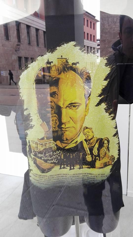 T-shirt gialla personalizzata