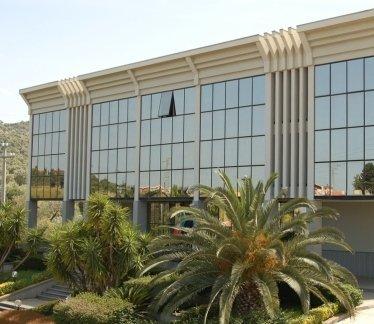 Serramenti per palazzine di alto livello, condomini, uffici, vetrate, chiusura,