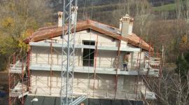 rifacimento tetti, intonacatura facciate, noleggio ponteggi edili
