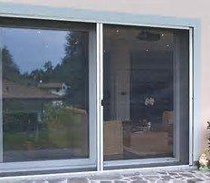 grande vetrata con zanzariera