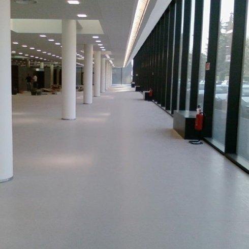 Pavimeni in linoleum per uffici
