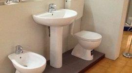 bagno completo pavimento rivestimento sanitari della colibri pozzi ginori rubinetteria doccia