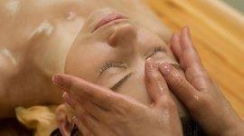 meditazione, corsi yoga, maggaggi rilassanti