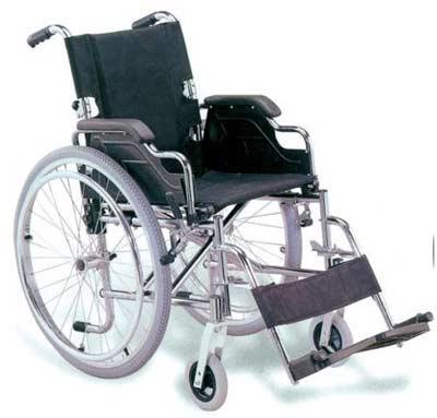 Sedia a rotelle nera