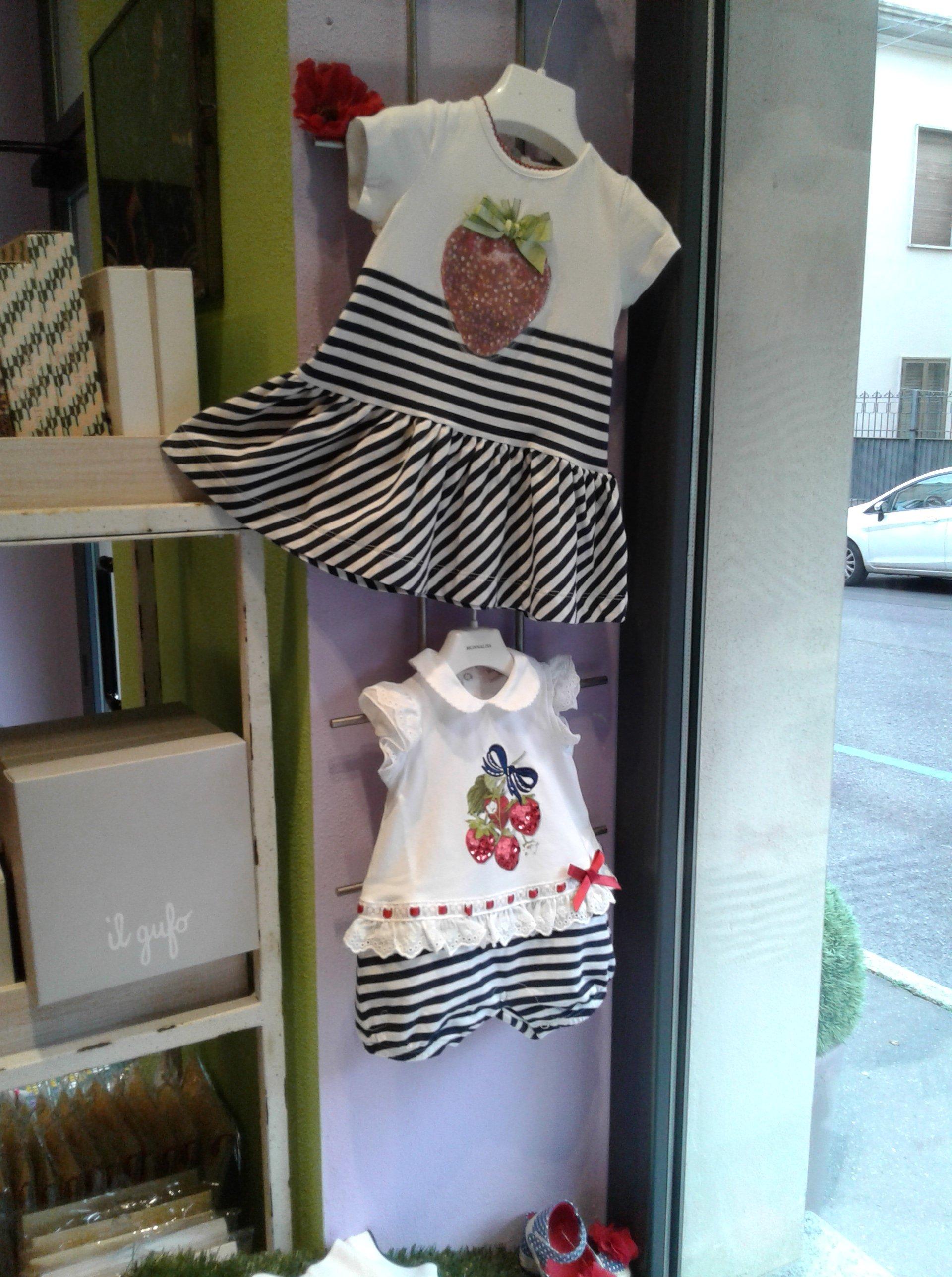 vetrina di un negozio di abbigliamento