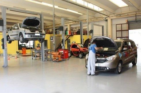 meccanici, manutenzione aria auto, analisi gas di scarico