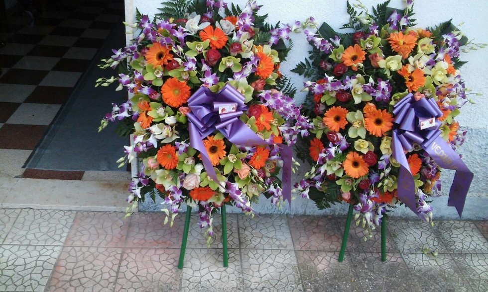 realizzazione corone funebri