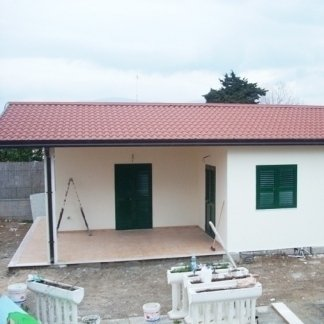 edificio prefabbricato uso abitativo