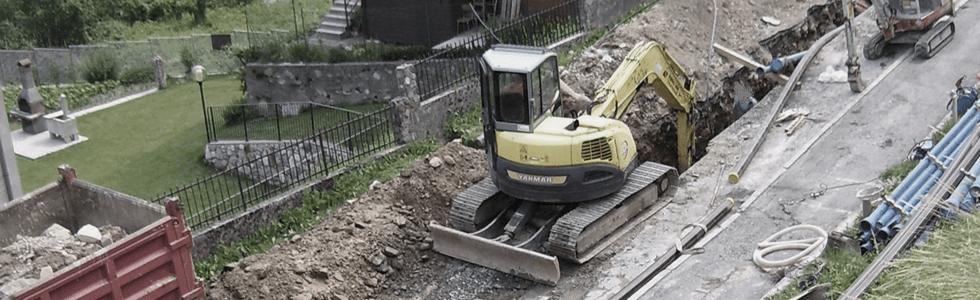 scavi con ruspe