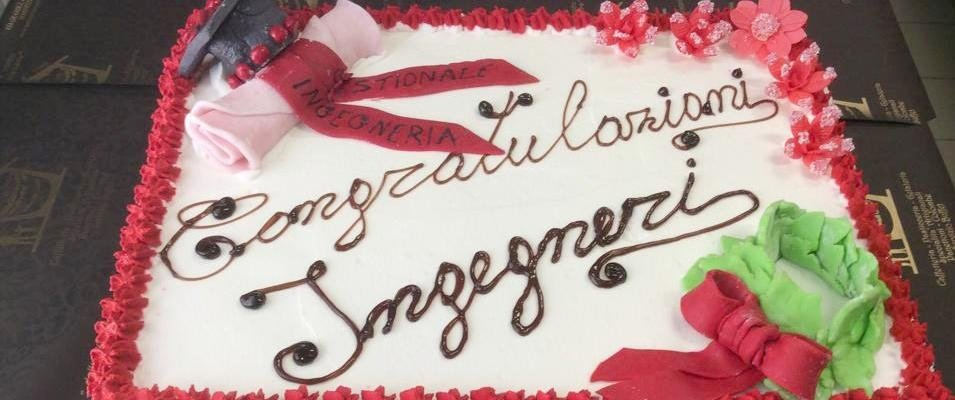 torta per feste di lauree