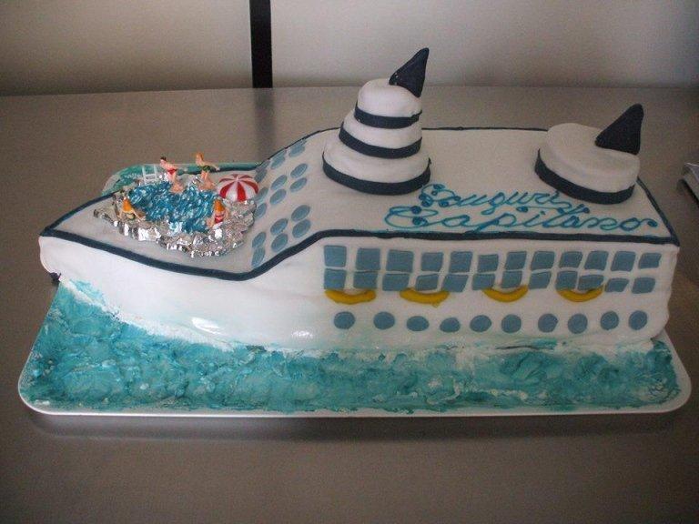 torta a forma di nave