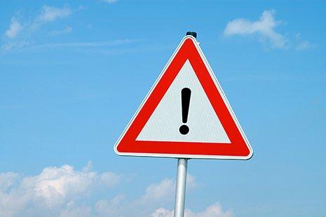 segnale stradale di pericolo