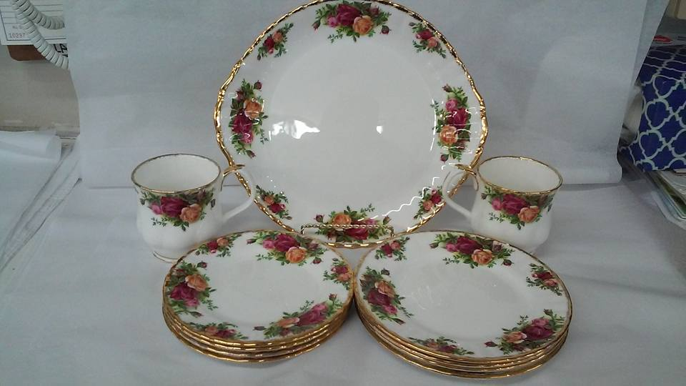 Dining Sets and Dinnerware