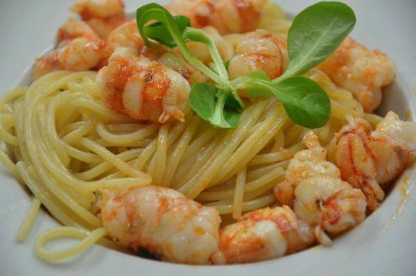 degli spaghetti ai gamberetti