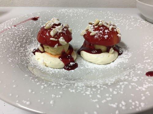due dessert a forma di funghetti