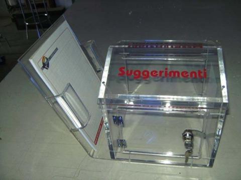 materiale promozionale in plexiglass