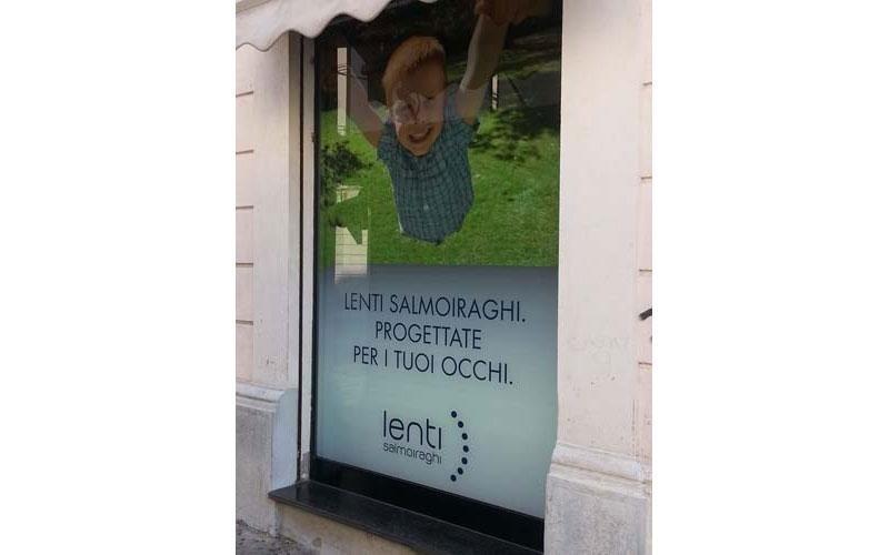 cartelloni pubblicitari per vetrine