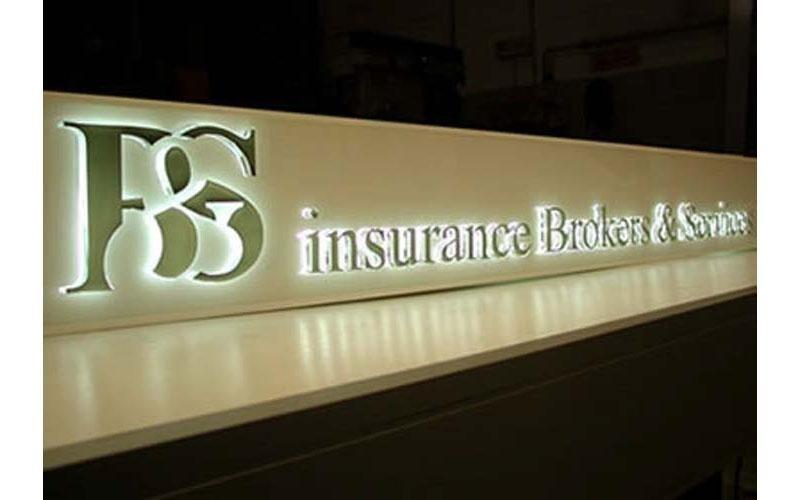 insegne luminose per assicurazioni
