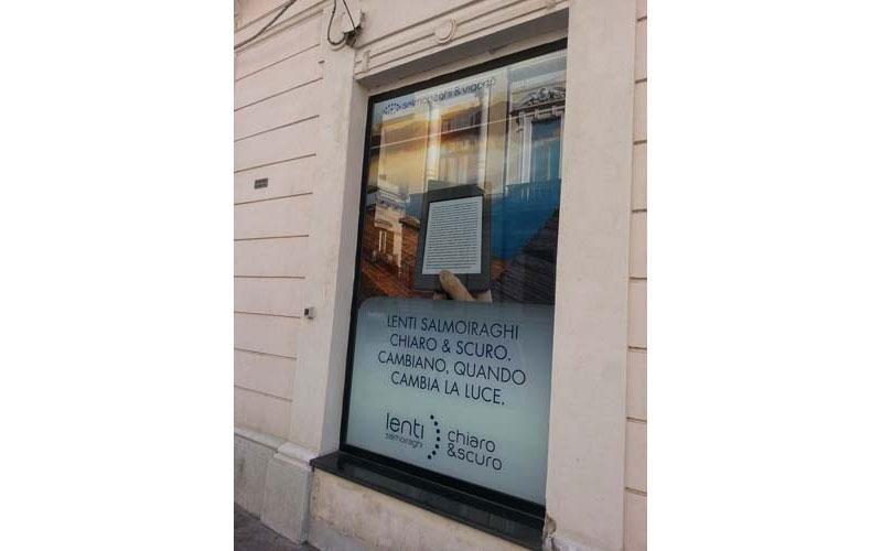 cartelloni per vetrine