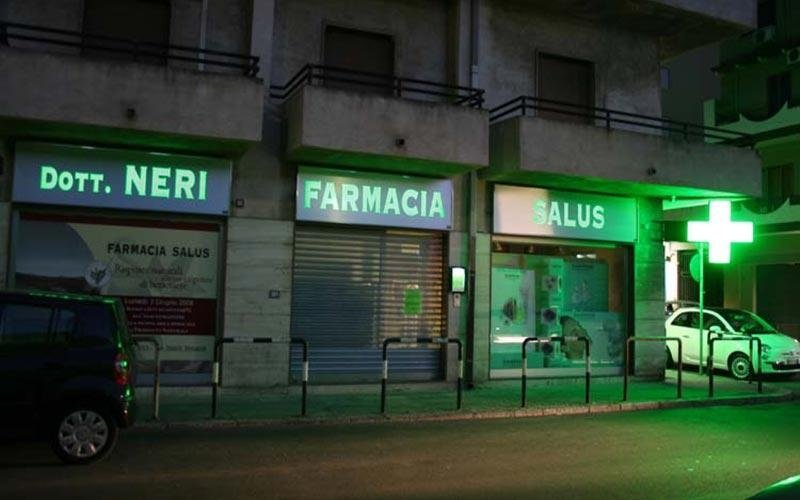 insegne illuminate per farmacie
