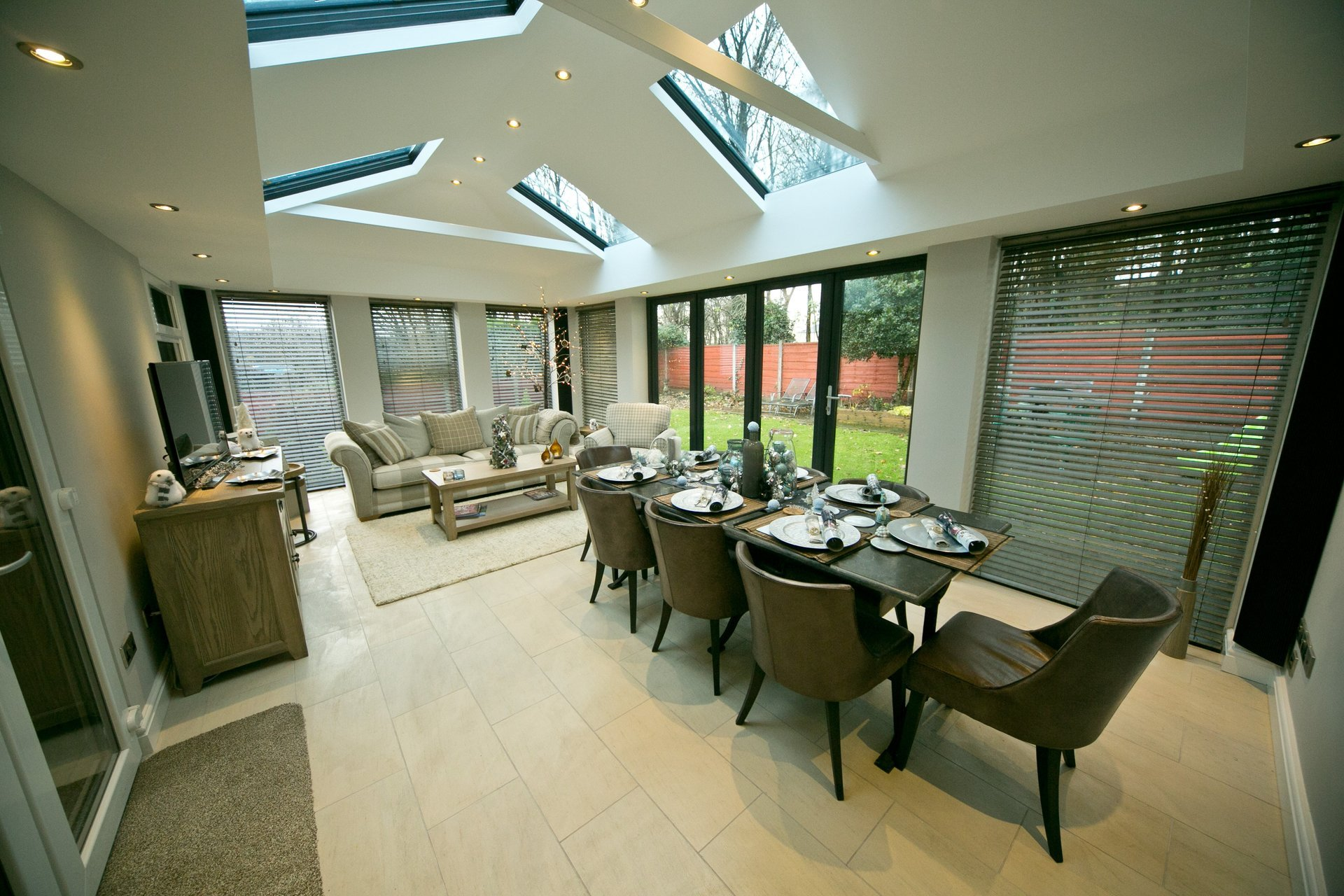 Dining room in conservatory