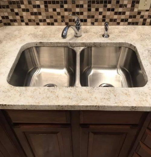 Quartz countertops on washbasin