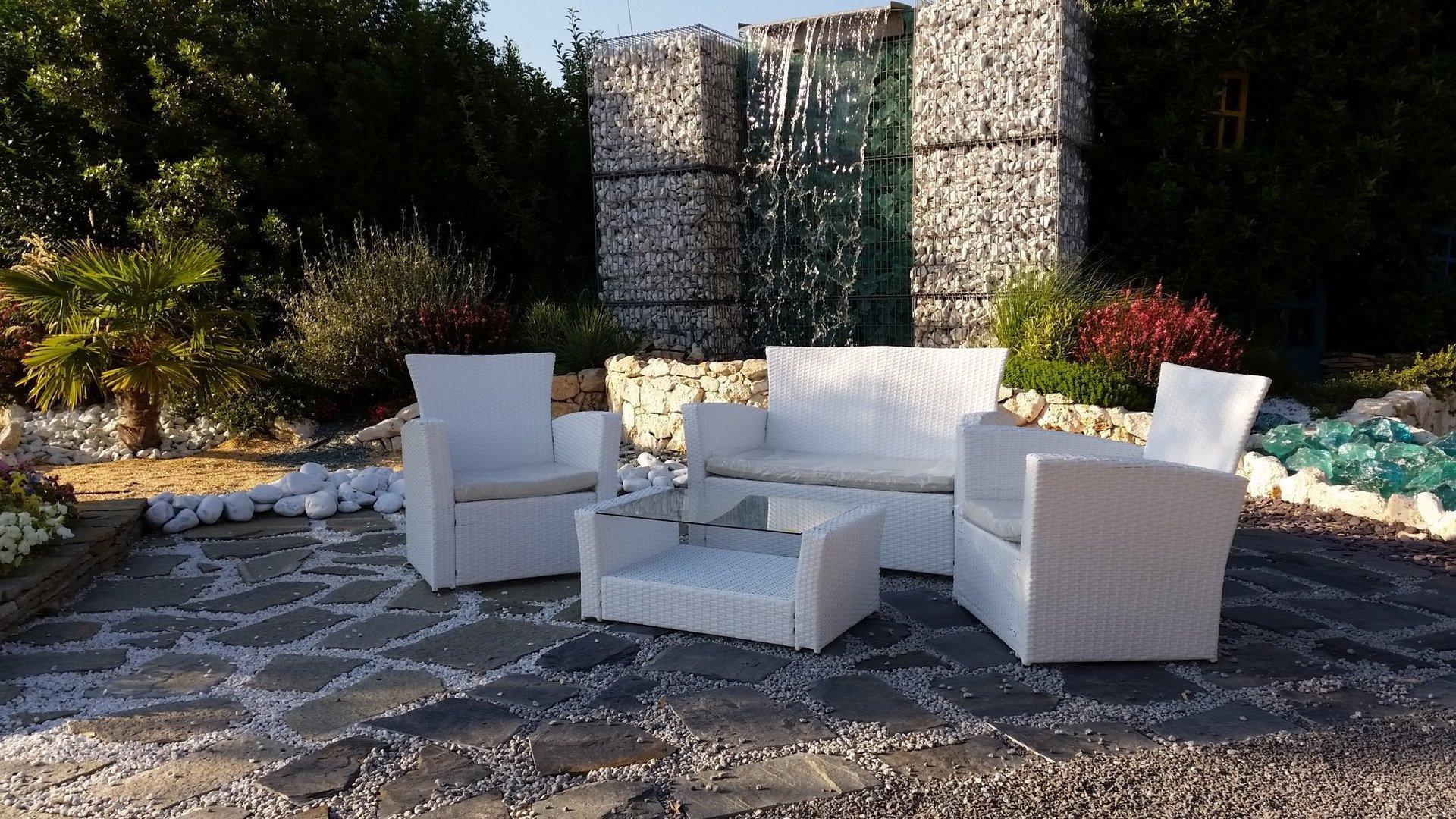 Arredo giardino e esterno bellizzi sa montella prisma for Giardini arredo esterno