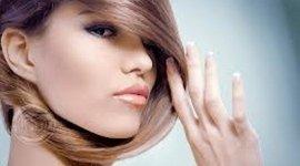 prodotti naturali per capelli, prodotti per capelli, prodotti solari per i capelli