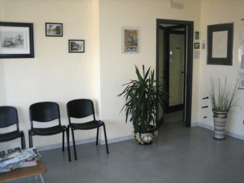 stanza adibita a sala di attesa