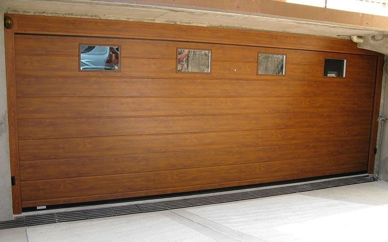 porte sezionali con finestre