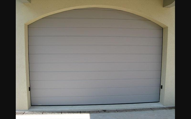 porte sezionali in grigio