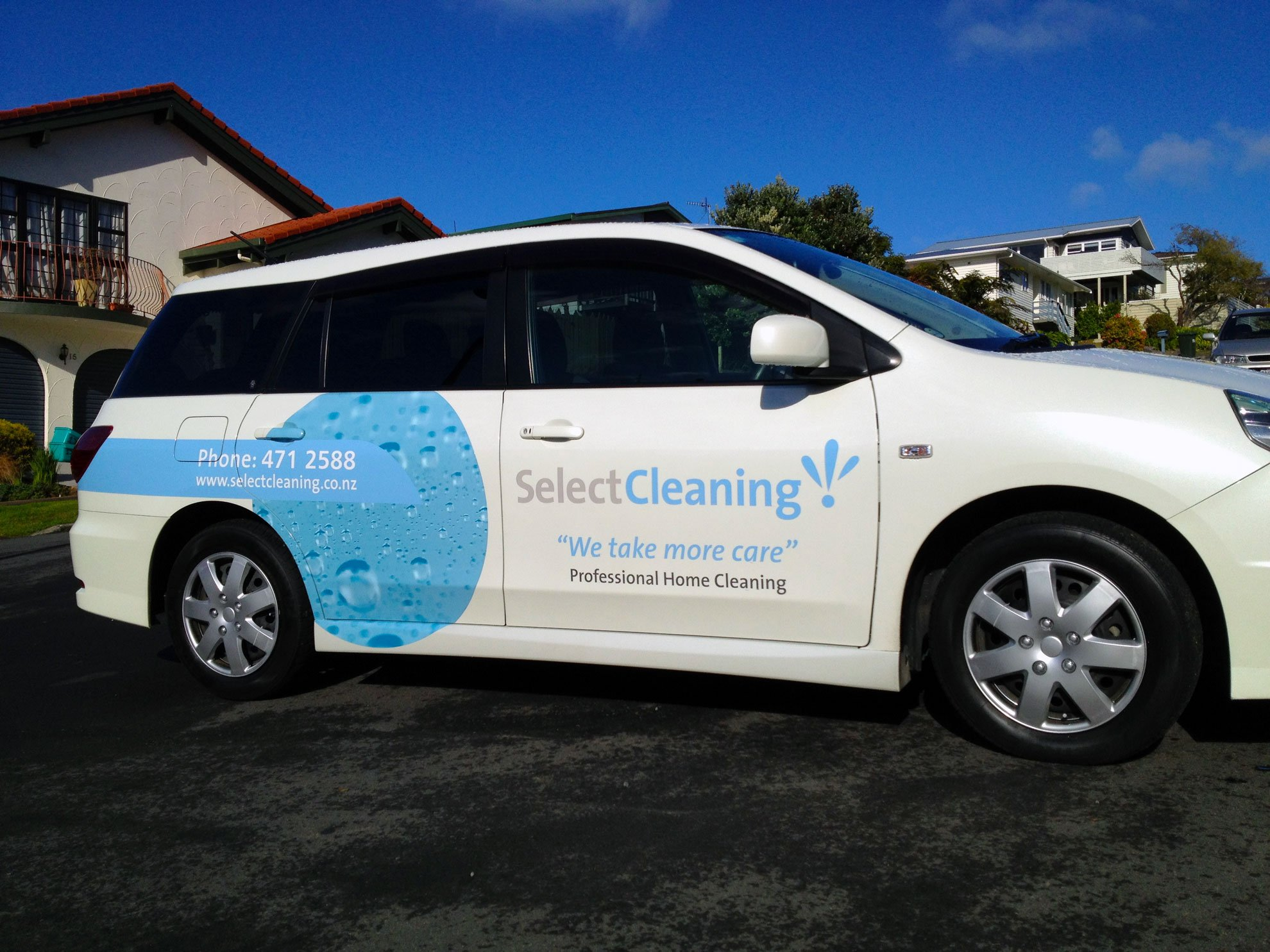 Digitally printed high performance vinyls applied to car