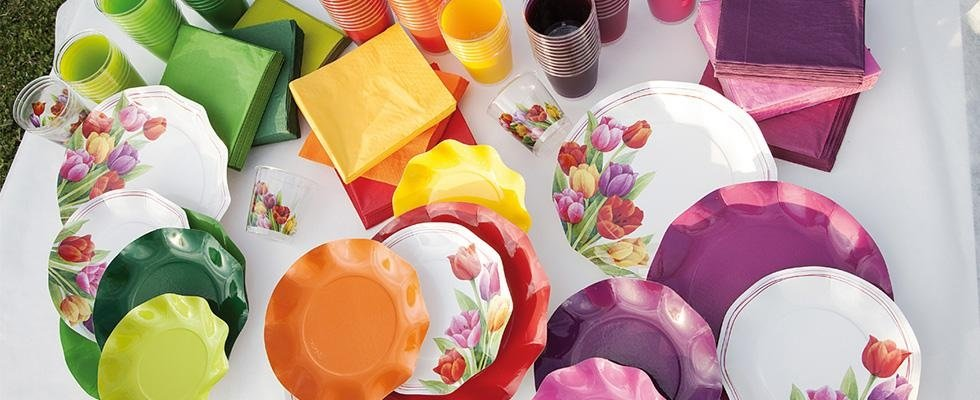 piatti di carta decorati