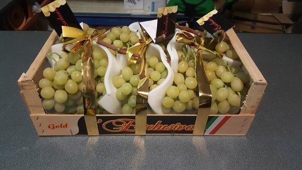 cassetta con uva da tavola